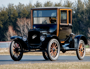 Автомобиль Ford Model T Coupe1920